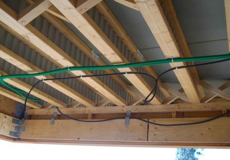 Solivage en poutre Nailweb : pose sur mur ossature bois. Entretoise sur appui