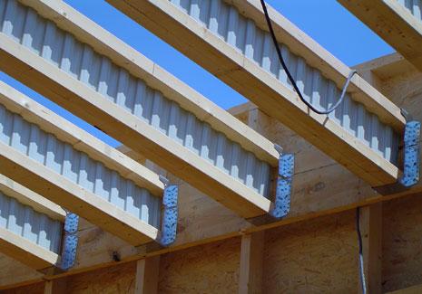 R alisations et exemples de chantiers avec la poutre for Faux toit plat