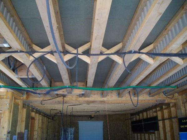 Visite technique d 39 une maison en ossature bois pour les for Realisation plancher bois etage